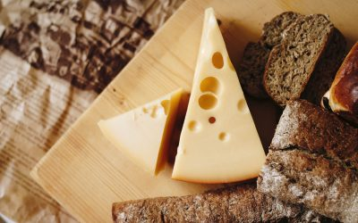 6 Healthiest Types of Cheese